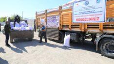 """""""Battalgazi'de yarınlar için verimli tohumların toprakla buluşması"""" projesi kapsamında, üreticilere sertifikalı arpa tohumu dağıtımı gerçekleştirildi."""